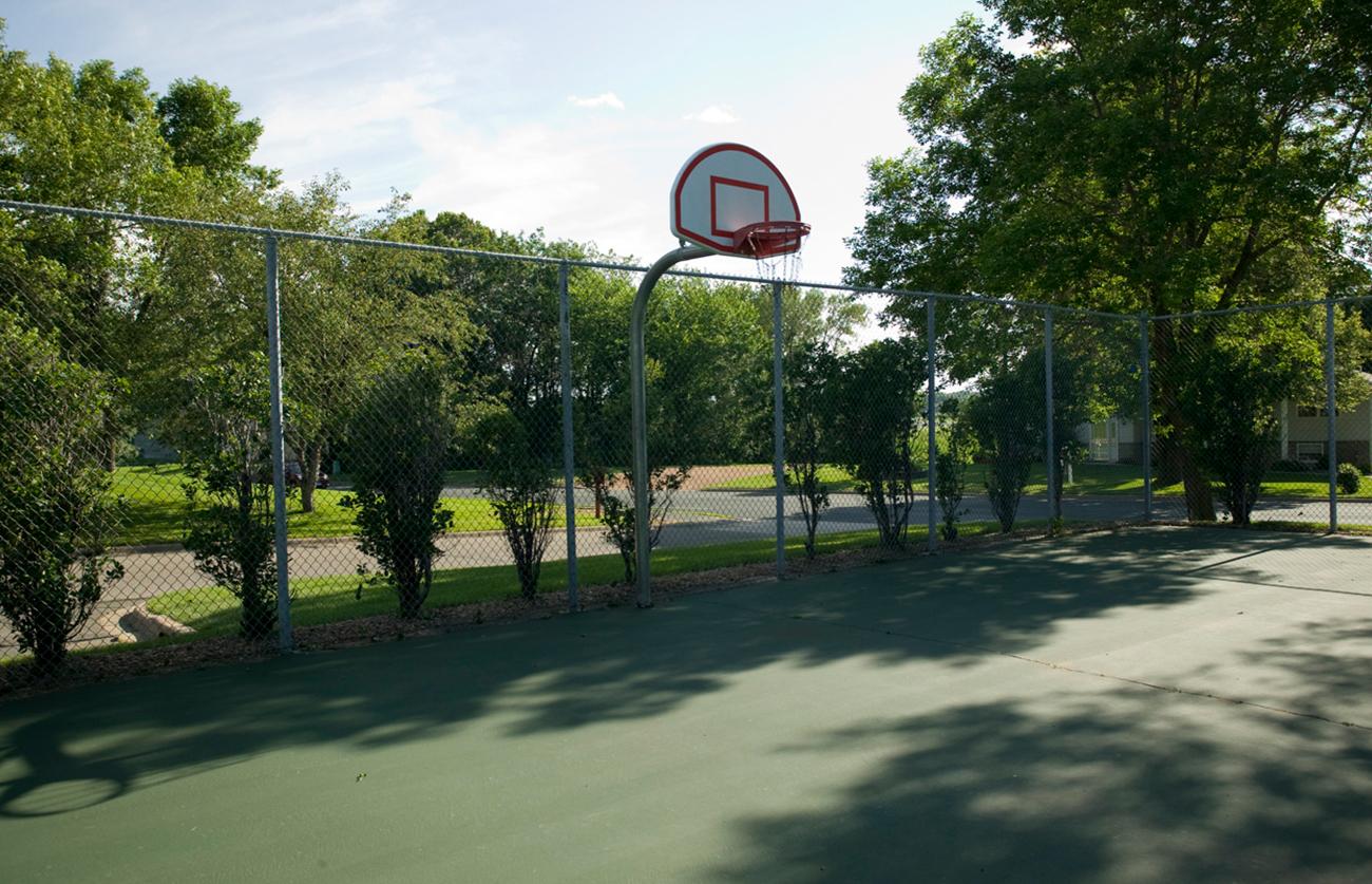 Basketball free-throw court