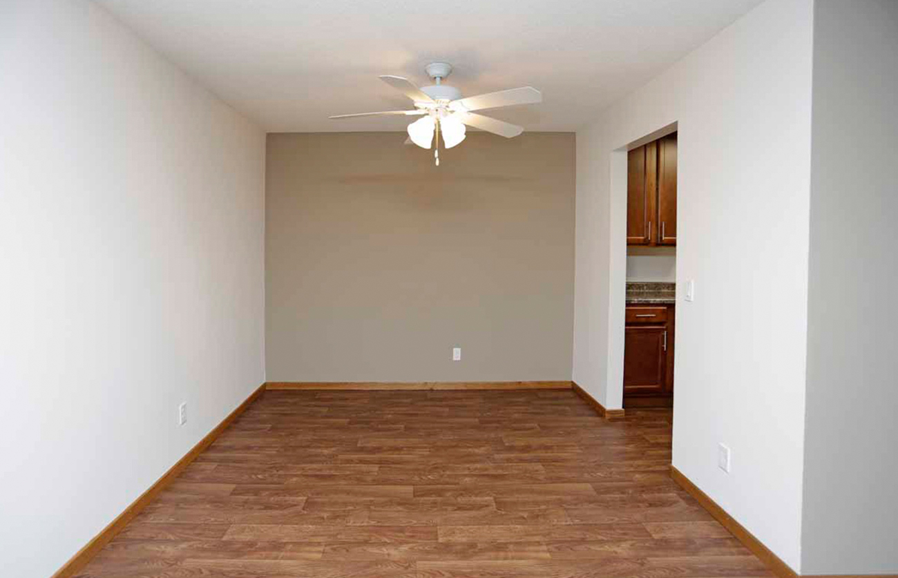 The Oak (1 Bedroom): Painted accent walls available