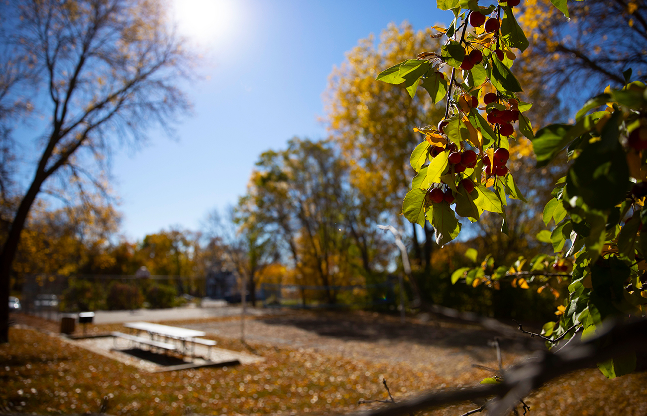Scenic grounds year-round