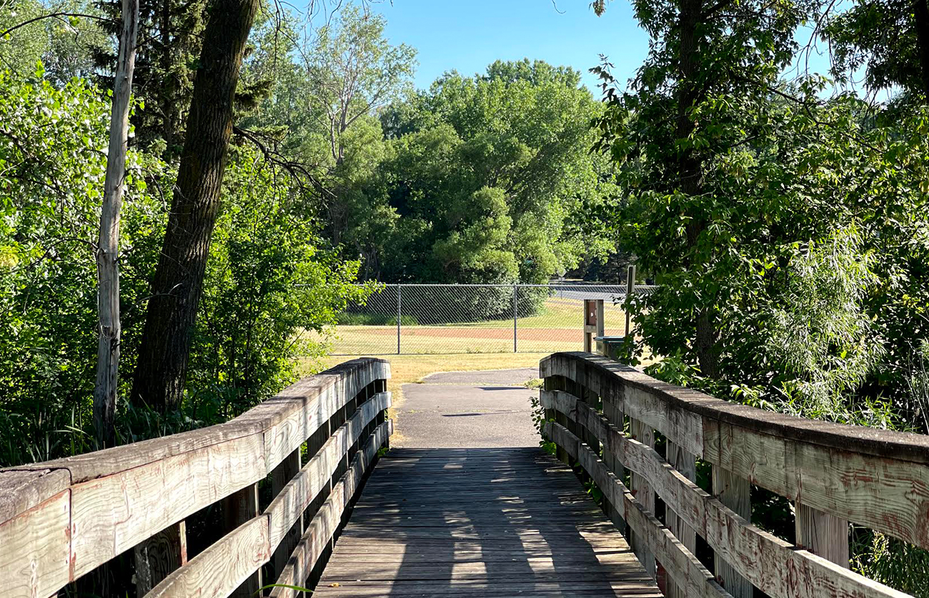 Bike or walk a few blocks to Woodcrest Park with playground, tennis, and baseball.